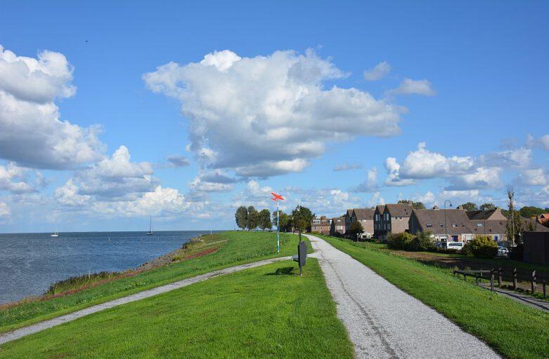 Walking on the IJsselmeer dike at Medemblik